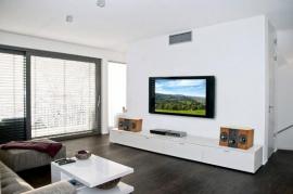 METEX: видео система со стерео звуком в гостиной: акустика Audio Physic Orea,  ресивер и DVD recorder + Plasma TV.