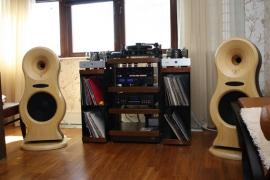 Next Hi-FI: инсталляция на основе акустики Zingali и электроники Cary Audio Design.